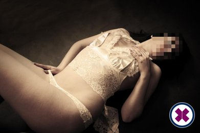 Jasmin is a hot and horny Italian Escort from Linköping