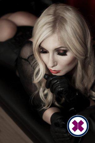 Alexandra Wildfire ist eine super sexy English Escort in Westminster