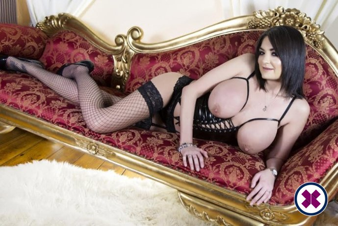 Kat Lee is a sexy British Escort in Manchester